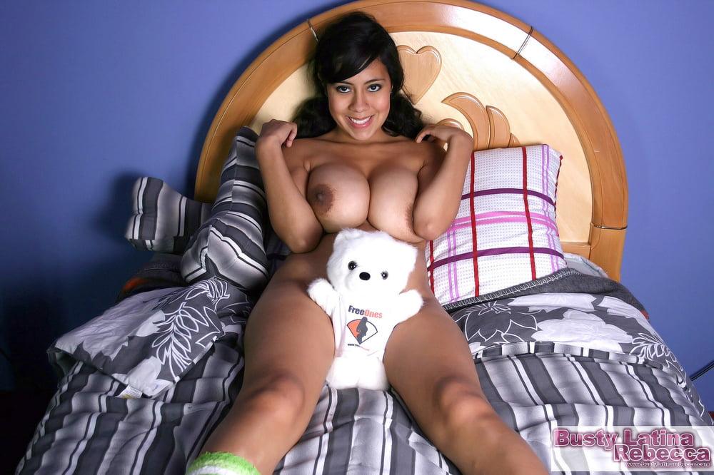 Busty latina moms pics
