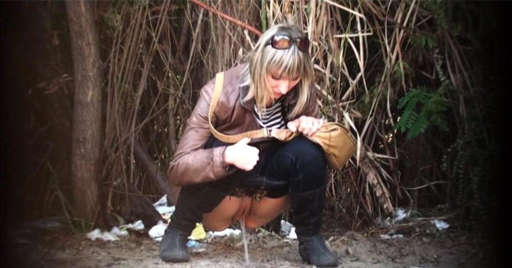 порно видео писающие скрытая камера в парке
