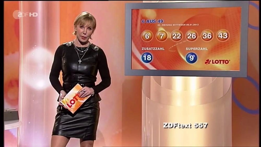 German TV Mature Heike Maurer - 75 Pics