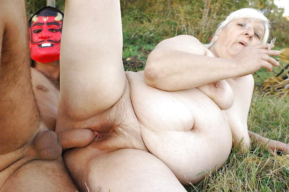 Порно Бабушка Голландия Видео