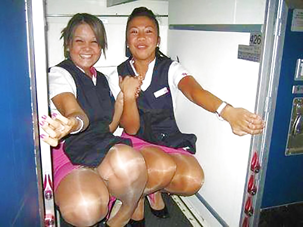 shemale-shows-upskirt-air-hostess-images-sexy-xxxitalia