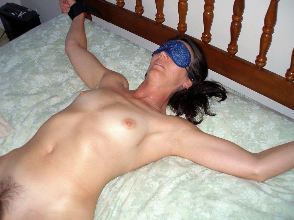 Lesbian tied to bed