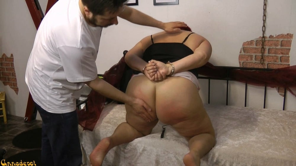SPANKING - The FLAT HAND on the ass