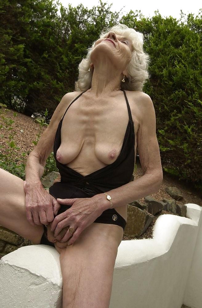 Sex photo Taylor vixen solo