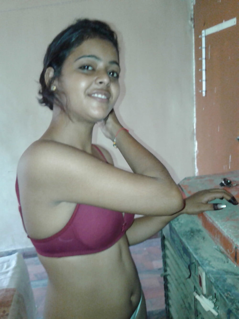 cute-nude-tamil-girl