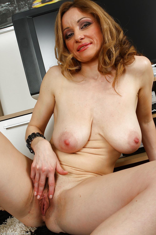 Valerie Milf