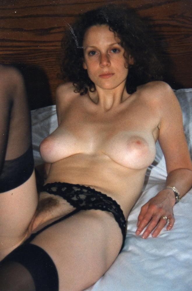 MILF Wives 140 - 52 Pics