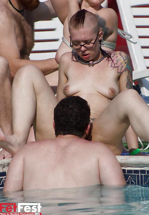 Fucking Porn Pix Women licking a penis
