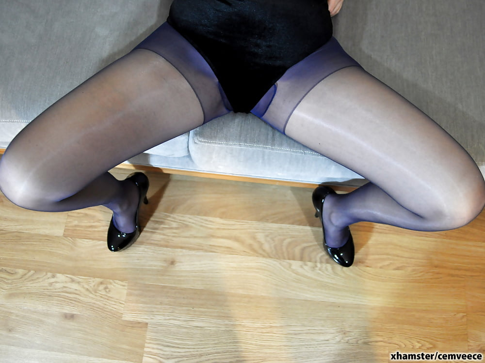 Eurosex babe fucking her agents cock-4094