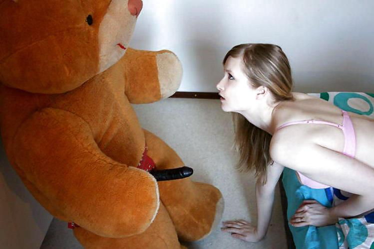 Девушка на мягкой игрушке трах онлайн — img 2