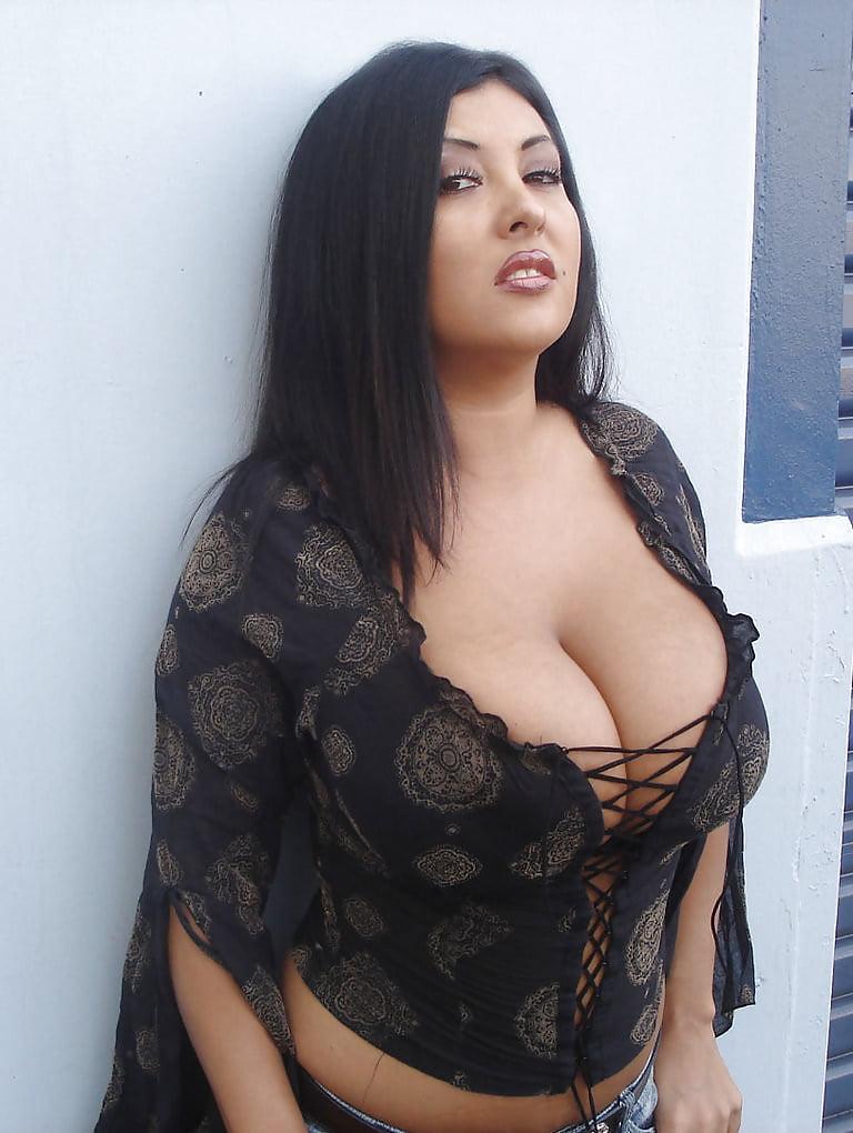 big-persian-boobs