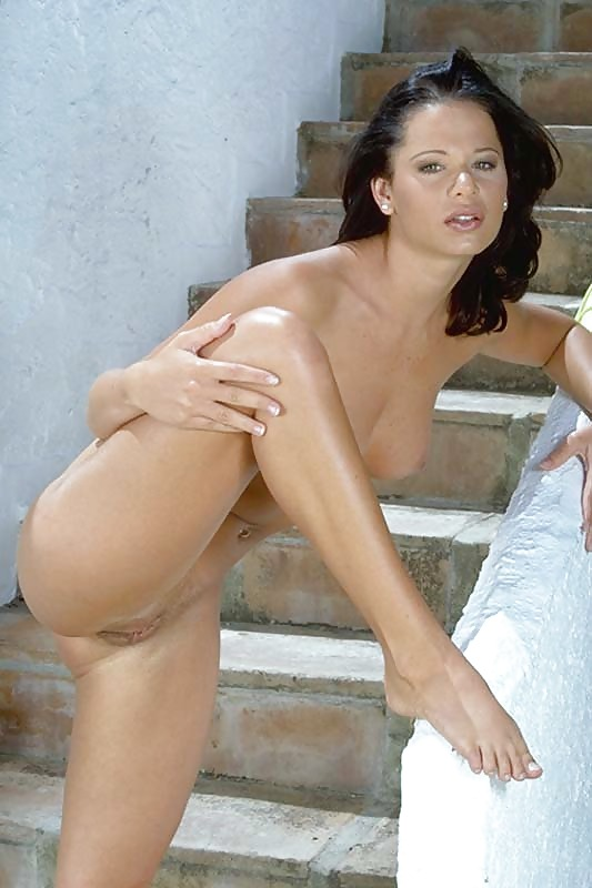 Kiss nude pics of jessi combs boob
