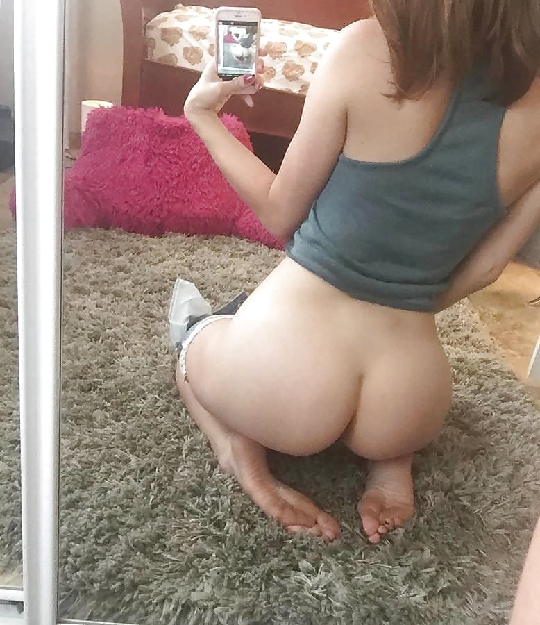 nude-teen-girl-nude-butt-selfies-with-sonia