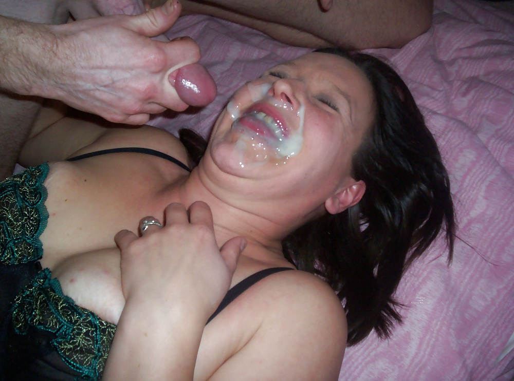 Real amateur wife cumshot
