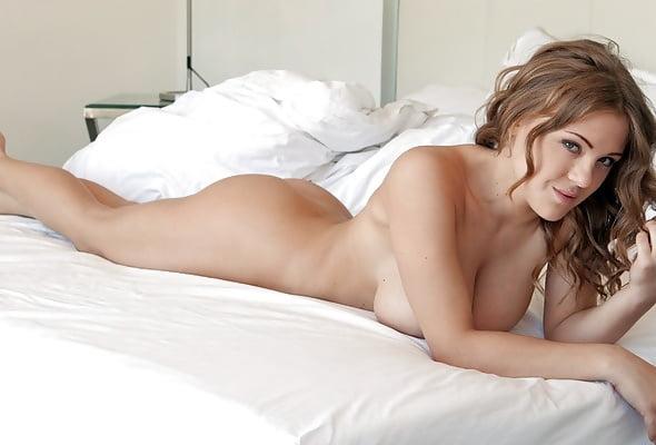 Pornstars Beautiful Models In Bed Fuckamouth 1