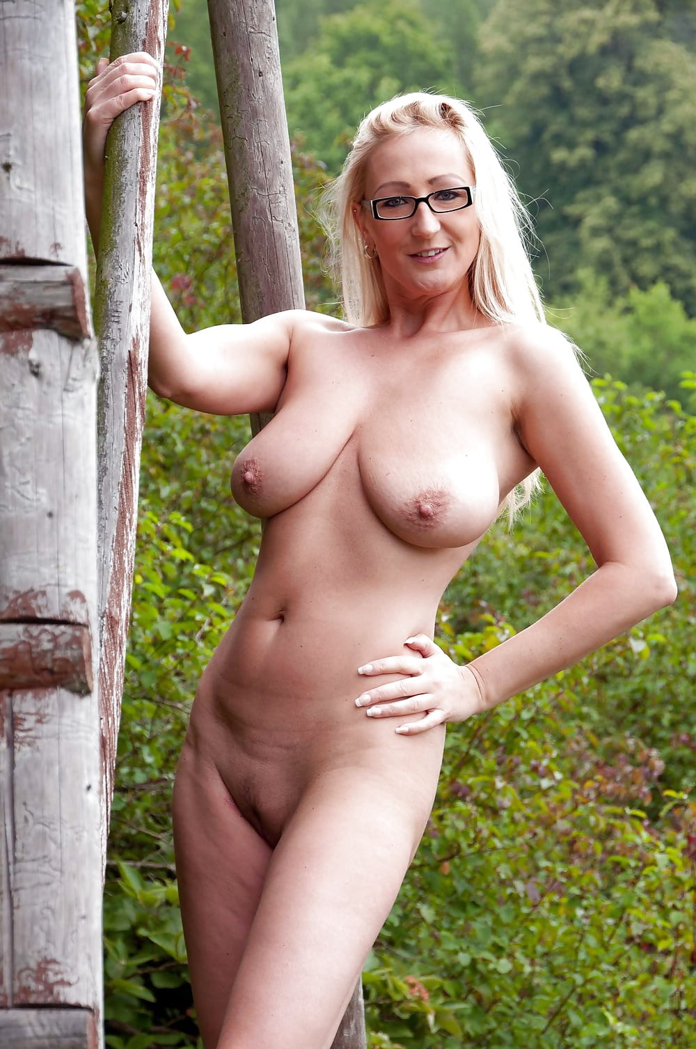 mil-nude-german-call-girl-photos-research