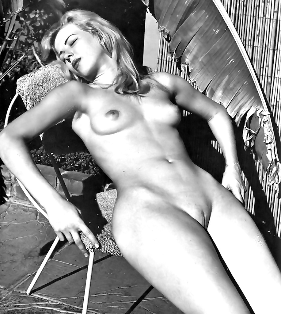 Free medieval porn pics in vintage outdoor hot chicks posing full nudity