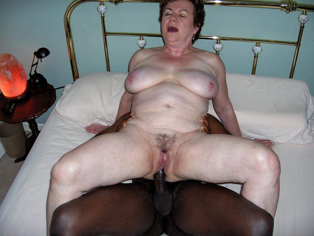 granny-amateur-tries-sex-again-julia-perrin-fuck