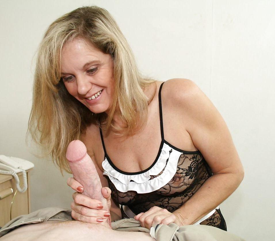 Featured mature woman give boy handjob porn pics xhamster