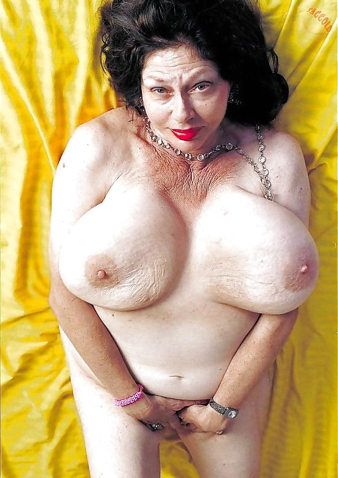 Mamie nude tits free
