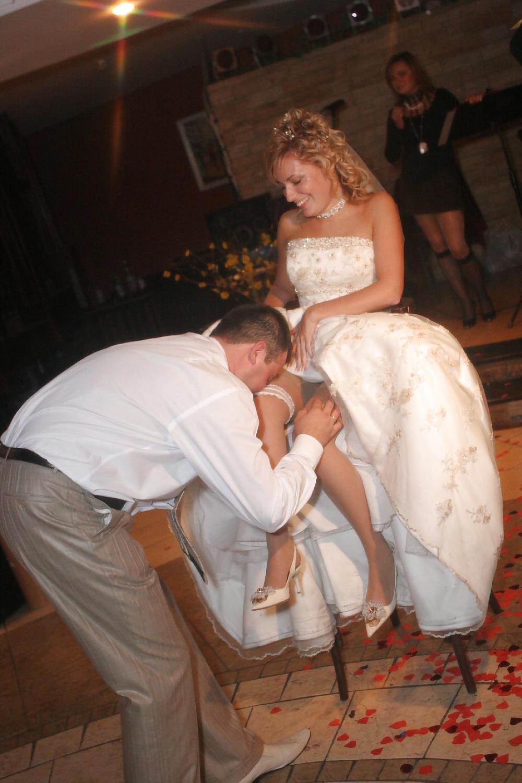 танец на свадьбе без трусиков улеглась