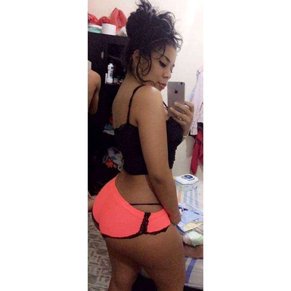 Lorena Rodriguez - 6 Pics