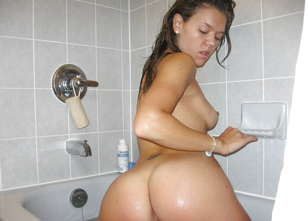 Dirty slut anal training with bottles - 25 Pics