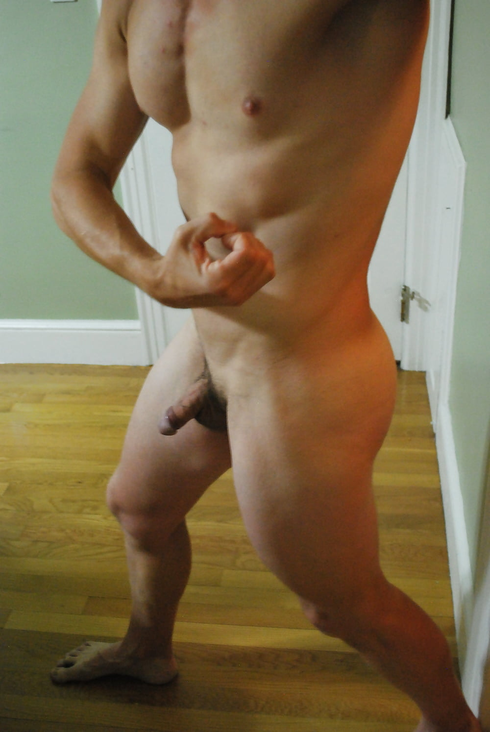 Attractive Nude Male Selfie Pic