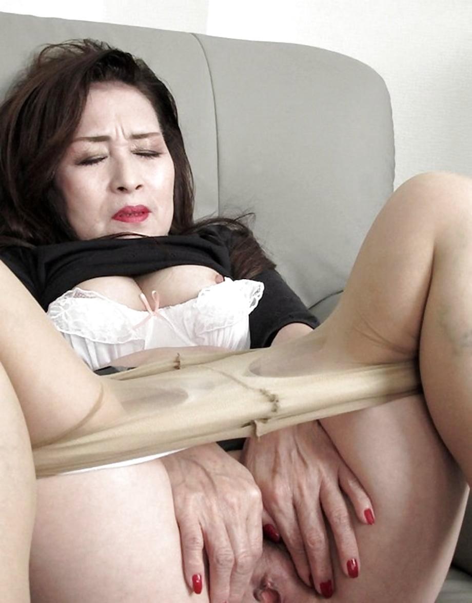 Порно Под Юбкой Оргазм