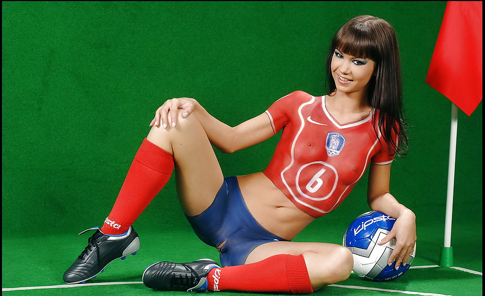 Секс фото футболисток бодиарт