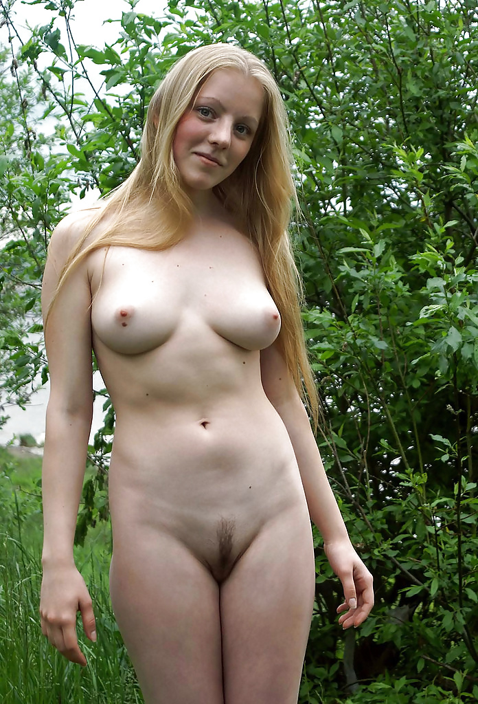 Amateur Totally Nude Girls 1
