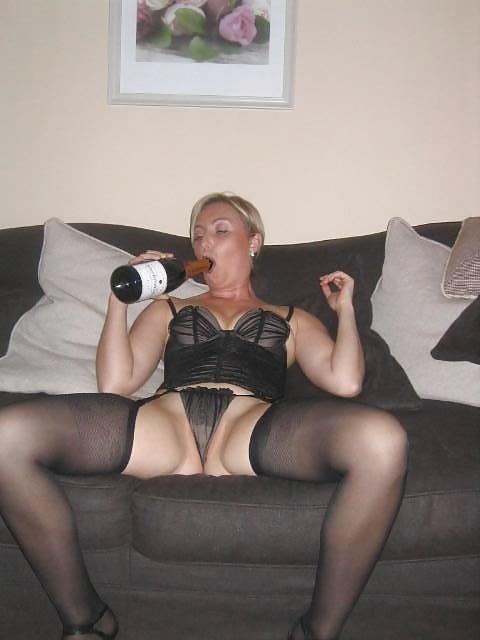 Sexy mature blonde porn