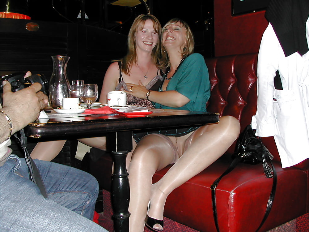 web-kitchen-upskirts-at-cafe-chested