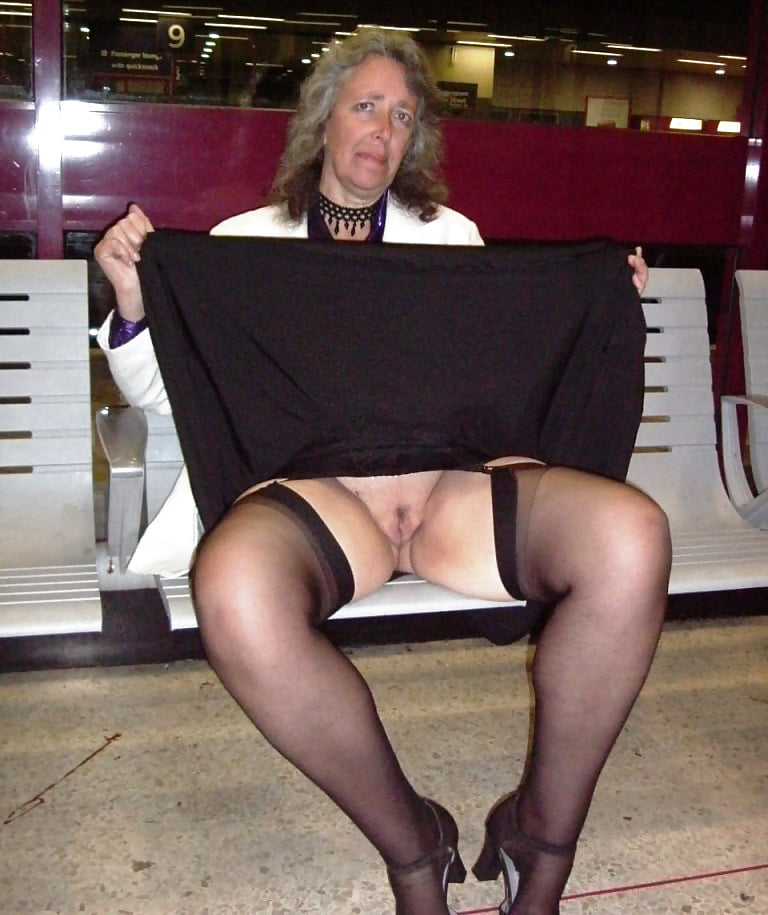Pics tagged with granny upskirt