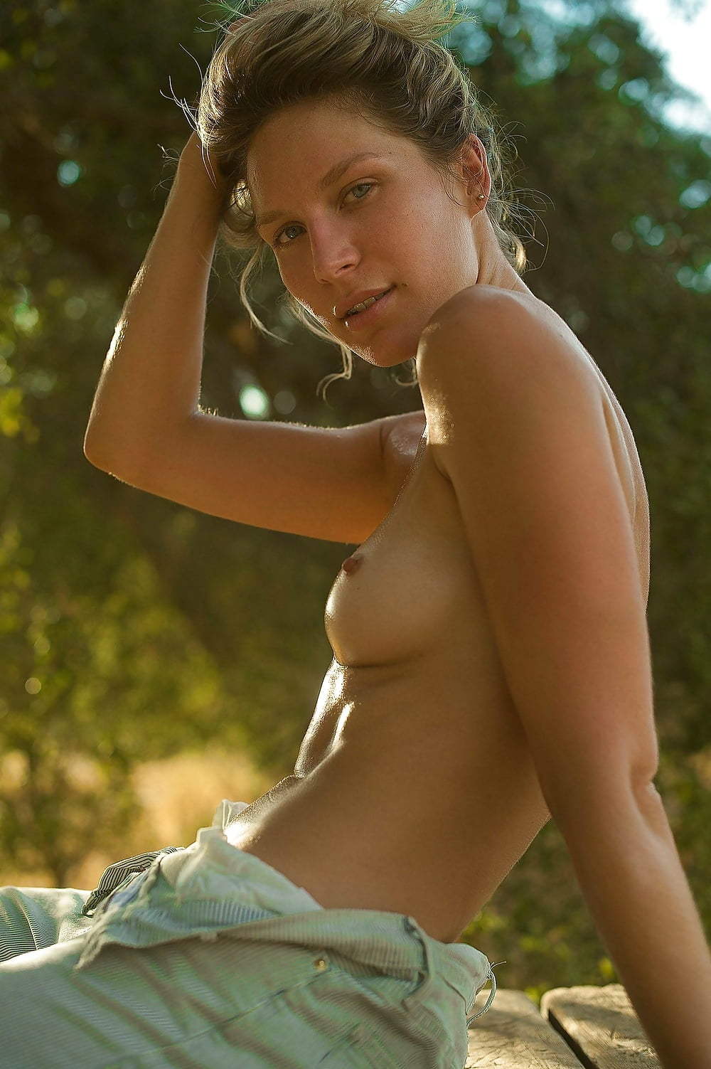 Bella thorne dani thorne sexy
