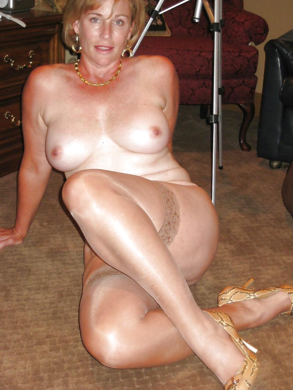 Amateur porno video mit Lory