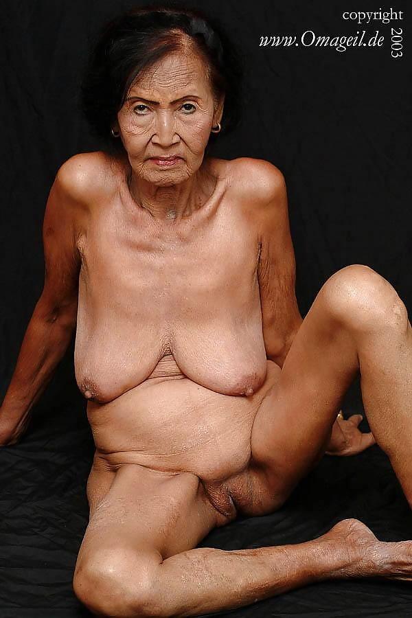 boob-lesbian-malay-granny-naked-curvy