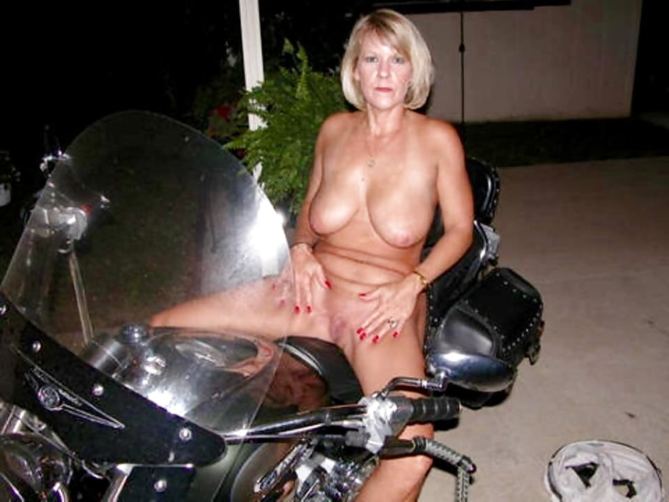 Nude Naked Babes On Motorbikes Pic