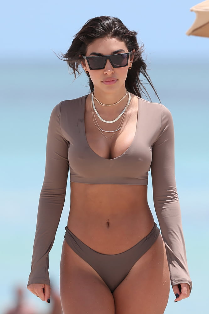 candid-bikini-nipples-tits