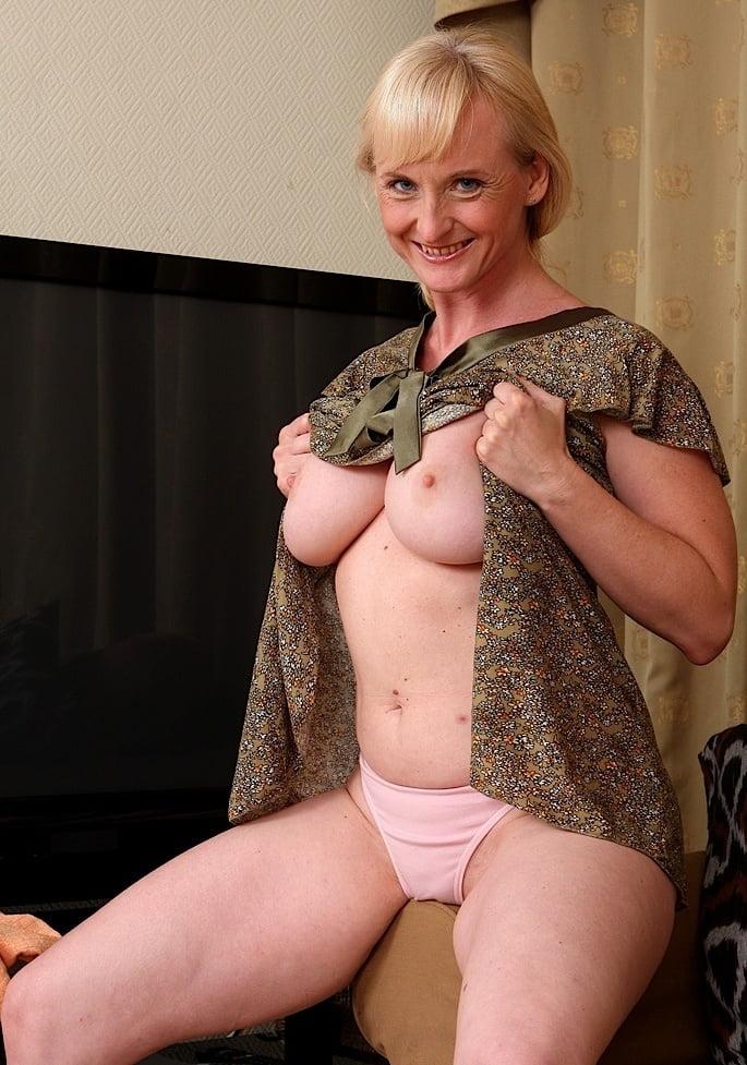 Hagen  nackt Monika Sexy Jean