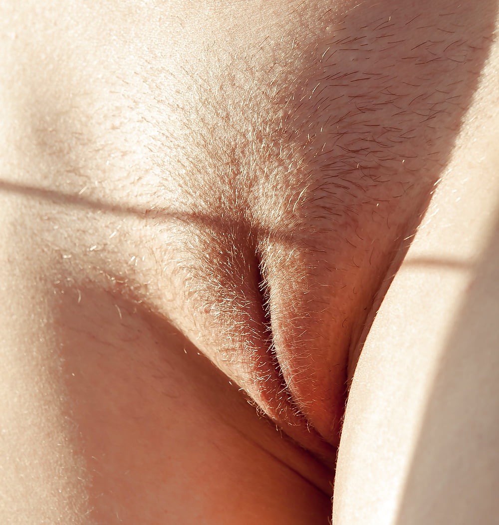 Bare cameltoe pussy, hot nude women with stretchmarks
