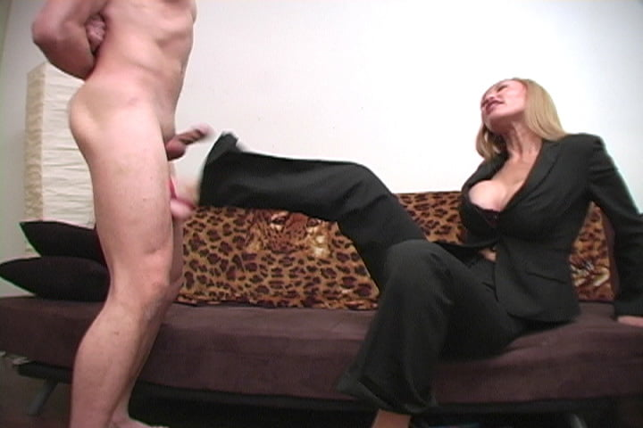 fat-woman-ballbusting-blowjobs-katie-girlfriend-naked