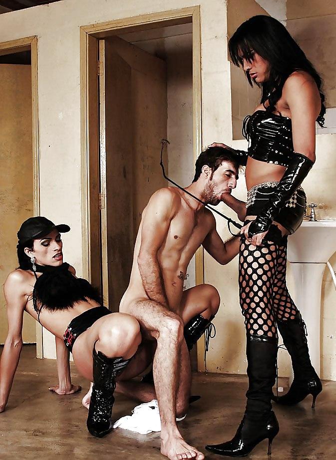 nayti-brutalnoe-gruppovoe-dominirovanie-seks-tolpoy-zhestkiy