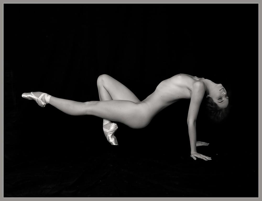 Devi sexual nude dancing girl