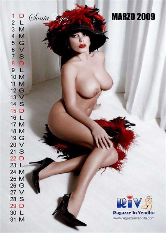 sonia-eyes-nude-porno