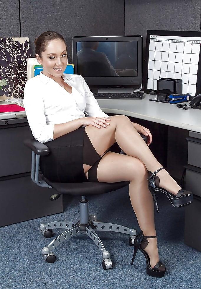 девушки офис эро фото - 5