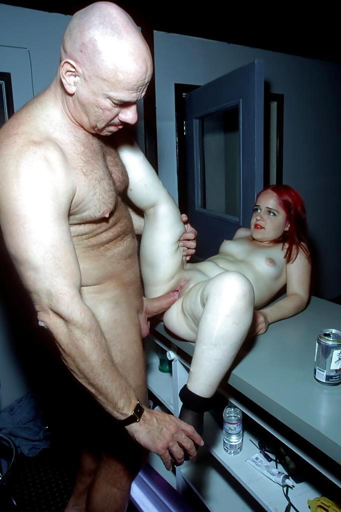 Free Dwarf Adult Images In Priceless Archive