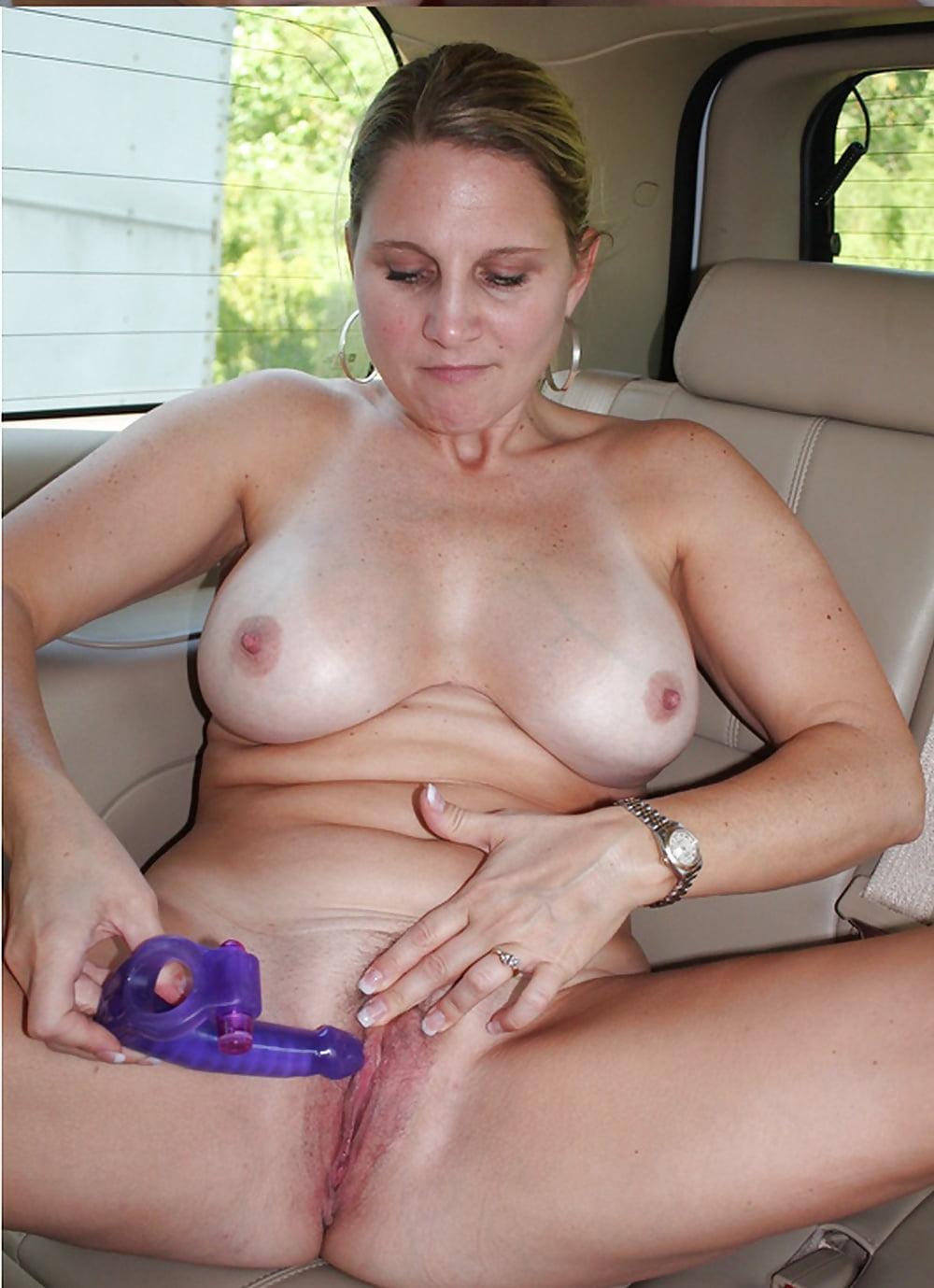 зрелая женщина мастурбация красотка работает тренажерном