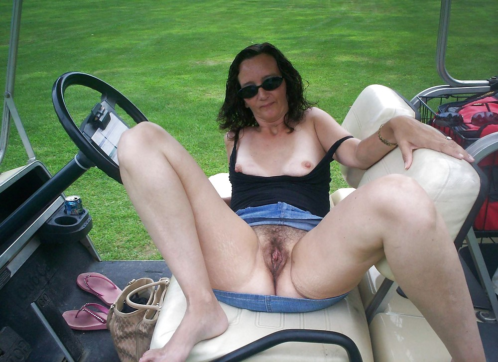 Milfs flashing pussy — photo 9