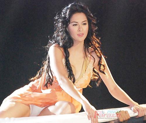 celebrity upskirt pinay